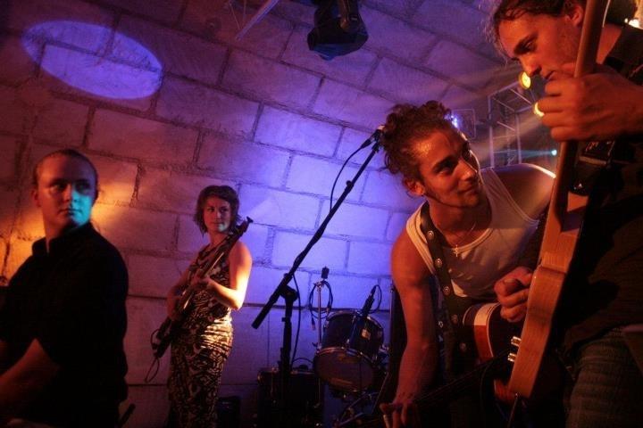 Groupe asphalte, Jason Feugray, rock français, le havre, léo Dubois, Fanny léger, Félix Carel.